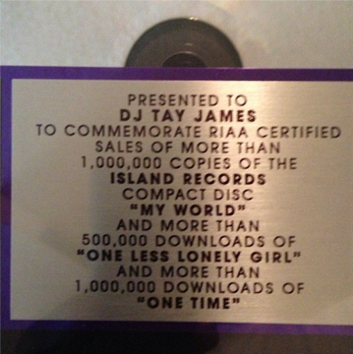 bieberpress:  @djtayjames  : Plaques finally in #weknowthedj word to @justinbieber