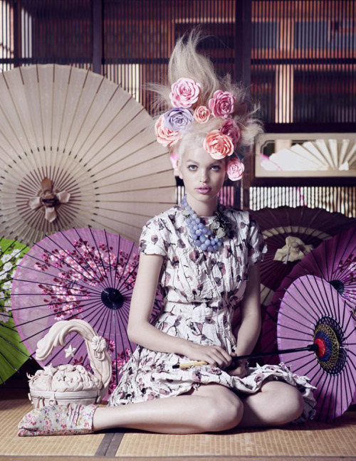 bohemea:  Daphne Groeneveld - Vogue Japan by Mark Segal, November 2012