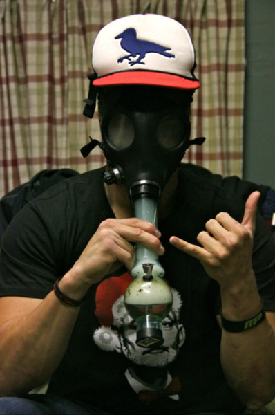 0ctopus-inc:  Steve-O and the gas mask