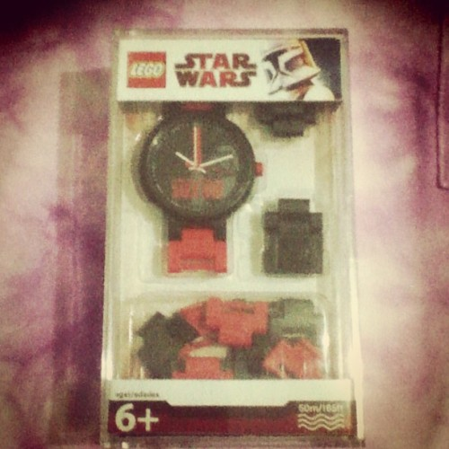 so jelly of my sister's #LEGO #watch huhu =)))) #StarWars