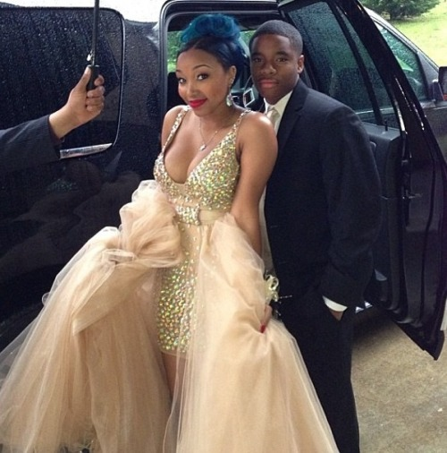 omggirlzuniverse:  Zonnique and her date again.