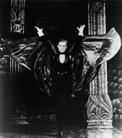 ghostsandliquors:  Jeremy Brett as Dracula on the Dracula set designed by Edward Gorey.  Funny; I took this for a dramatic Abraham Lincoln impersonator… Nonetheless it is beautiful C: