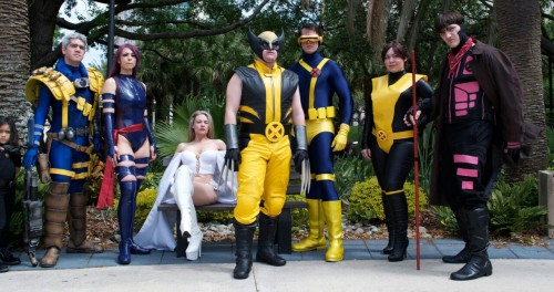 andyrocketcos:  The X-Men Photo by: Frost-B Cable: Enrique Lopez (costume by Snikt Shop) Psylocke: Margie Cox Emma Frost: Heather Kelley Wolverine: John El (cowl by Reevz FX) Cyclops: Michael Cox Shadowcat: Me (Andy Rocket) Gambit: Patrick Lance   I posted it with credits, so now you can reblog it! yay!