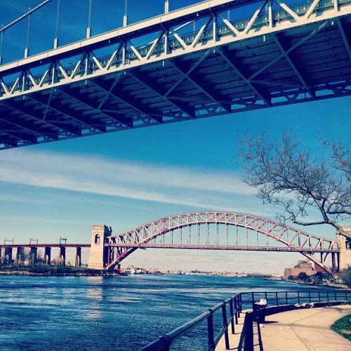 Awesome view of the Tri-Borough and Amtrak Bridges from Astoria Park.  (at Queens, NY)