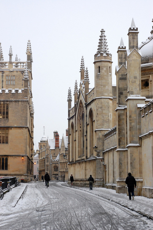 Snowy Day, Oxford, England photo via sateen