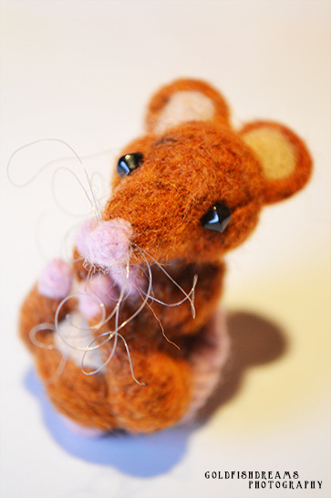 goldfishdreamsdesigns:  have a little mousey i made a couple of weeks ago  MOUSEY!:D