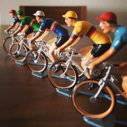 thecycledlife:  Hand painted souvenirs from En Selle Marcel in Paris - perfect form. #cycling #ensellemarcel #art