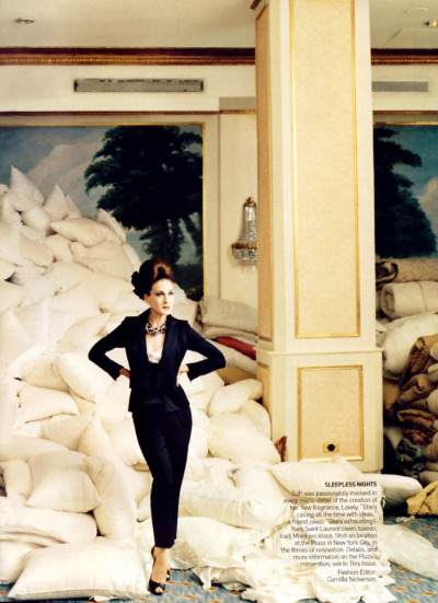 thefashionatelier:  Sarah Jessica Parker photographed by Annie Leibovitz for Vogue US September 2005