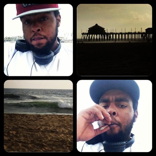 Big kickin it at the beach smoking dat flight got me out here touching the clouds haha 😎😤💨🔥💯👌 #faded #beach #420 #blunt #blazing #baked #loud #high  #high_life #weed