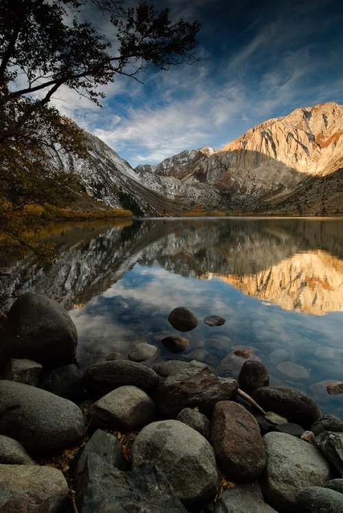 dranilj1:  Sunrise over Convict Lake