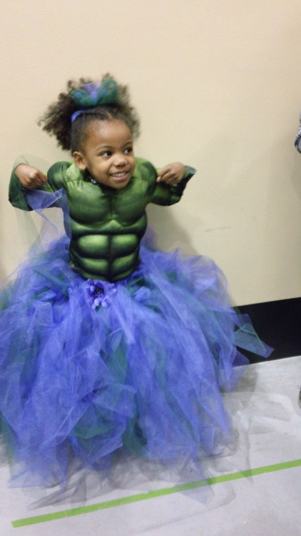 We've recast the Hulk. Sorry, Mr. Ruffalo. via xerxes93:  I would just like to show you all the best Cosplay at Emerald City Comicon. All other cosplays can go home.