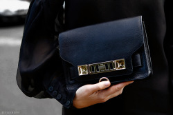 styletrove:  Little black satchel.