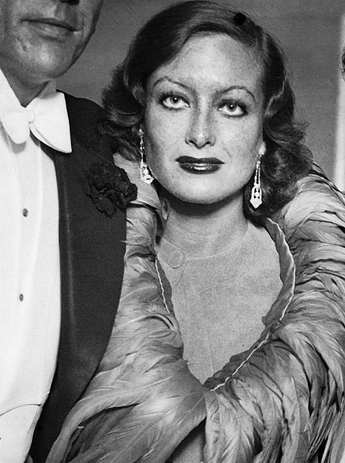 deforest:  Joan Crawford photographed in Mary Clare's dressing room after seeing the July 15th performance of Cavalcade, 1932