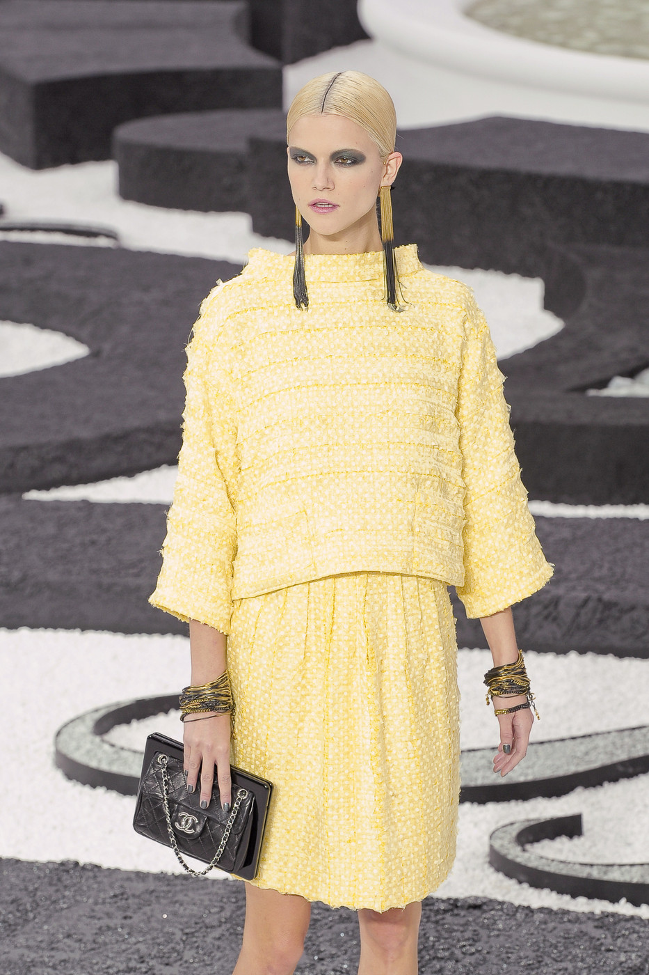highqualityfashion:   Chanel SS 11
