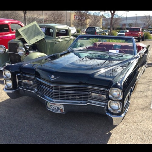This is really badass. A Cadillac from the #powaycruisers monthly show at the #inandout in #poway. ———————————————— ———————————————— #cadillac #gm #chevy #classic #car #pimp #iphonesia #iphoneonly #jj #jj_forum #weird #Photooftheday #imageoftheday #mobilephotography #igers #iger #instahub #instagood #instagramhub #igerssandiego #california_igers #igerscalifornia #badass