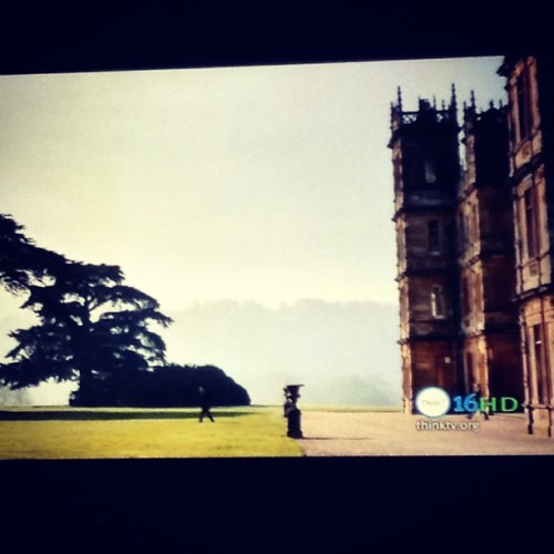 I'm finally getting around to watching Downton Abbey season 3 episode 2 & oh Edith!