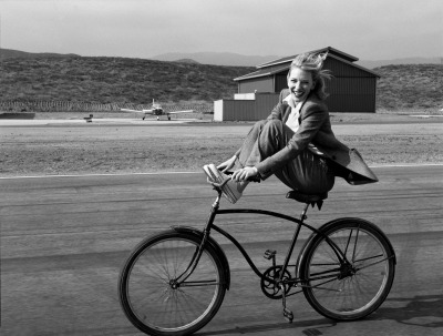 I love bicycles. I love Cate Blanchett I love Annie Leibovitz.