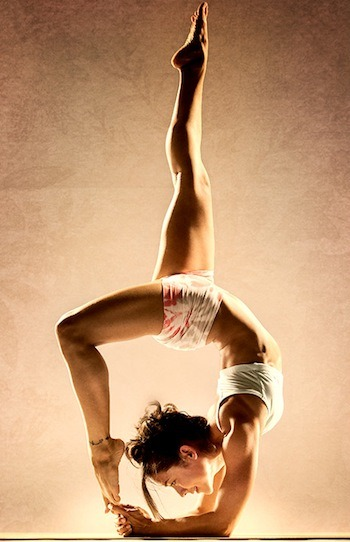 Just one of 27 amazing photos of inversions featured on MindBodyGreen - great inspiration for taking your yoga practice to the next level or simply being in awe of what the human body is capable of (or both) :) <3