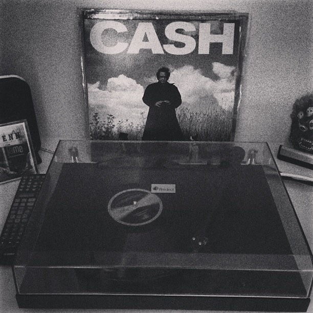Friday night #vinyl session start w/The Man #JohnnyCash