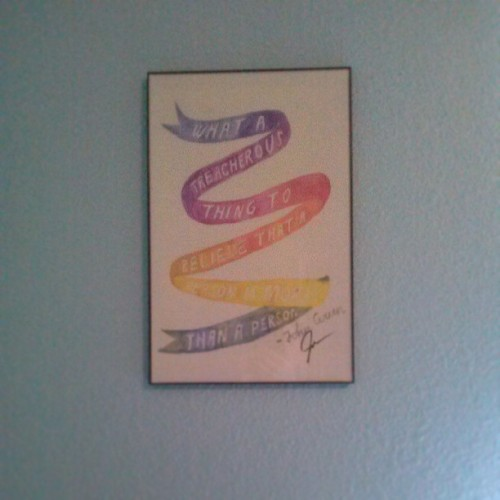Finally got my John Green poster framed and hung up #johngreen #papertowns
