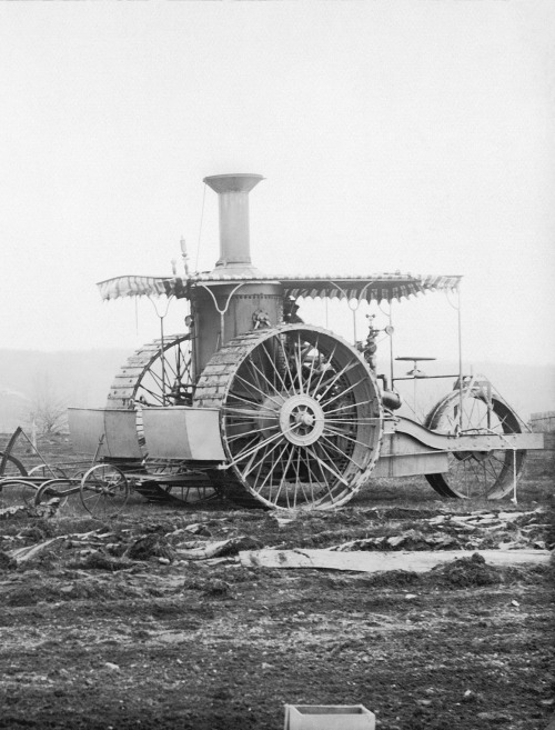 emporioefikz:   Case Steam Tractor from 1893 (by Beast 1)