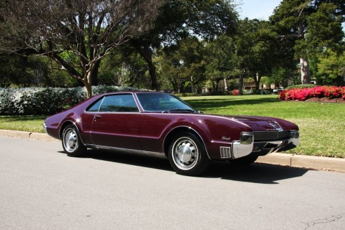 (via Oldsmobile : Toronado Deluxe in Oldsmobile | eBay Motors)