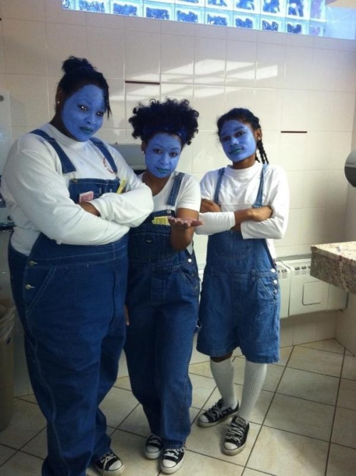 sweetlydifficult:  Oh lord jezus its the Gross sisters!