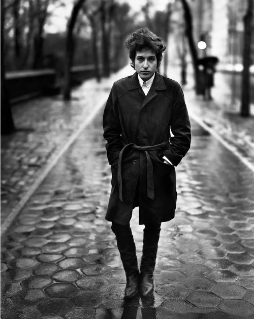 maudelynn:  Bob Dylan by Richard Avedon