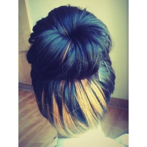bun hair Hair and Beauty Tutorials   ❤ liked on Polyvore