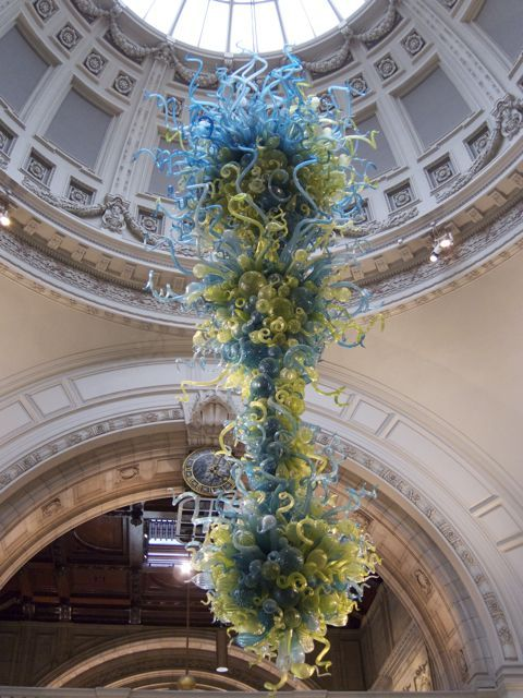 Chihuly sculpture at the V&A