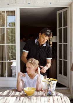 fuckyeahdirectors:  Francois Ozon and Ludivine Sagnier on-set of Swimming Pool (2003)