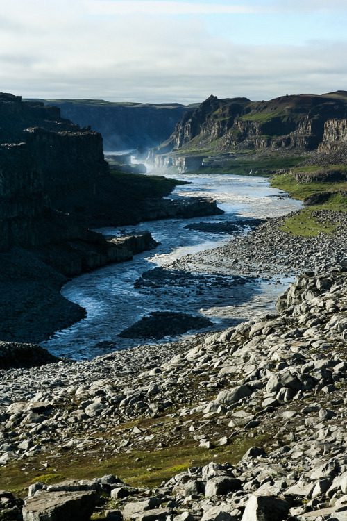 hesito:  Dettifoss waterfall (by bm_photo)