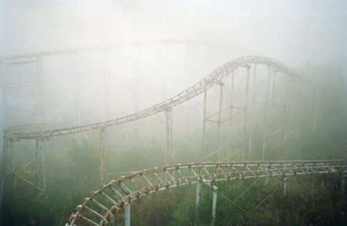 meri-dawn:  Japanese abandoned theme park
