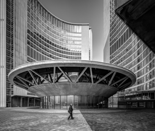 ryanpanos:  Toronto City Hall by Chimay Bleue