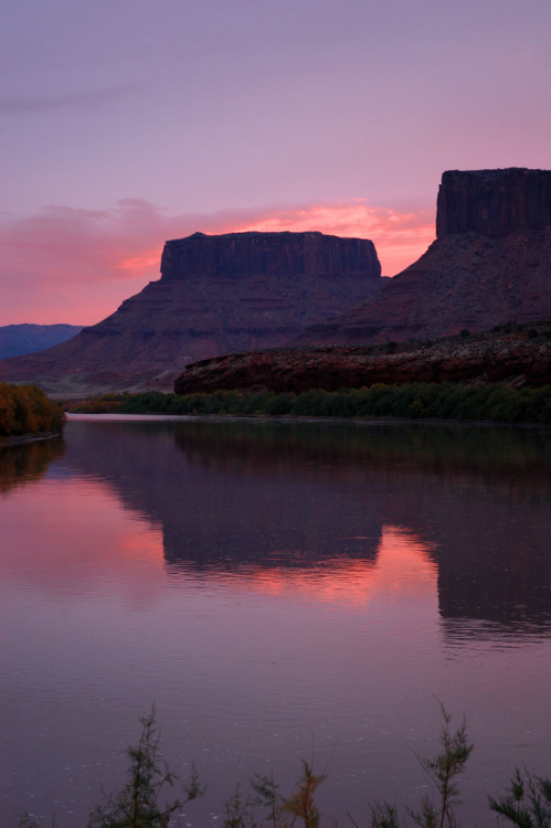 unwrittennature:  Dusk on the Colorado River in Castle Valley, a few miles outside Moab, UtahBy Matt McGrath Photography☆