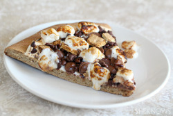 in-my-mouth:  S'mores Cookie Pizza