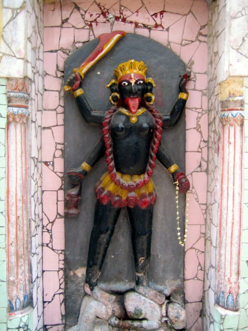capturedinasia:   Kali shrine. Varanasi, India