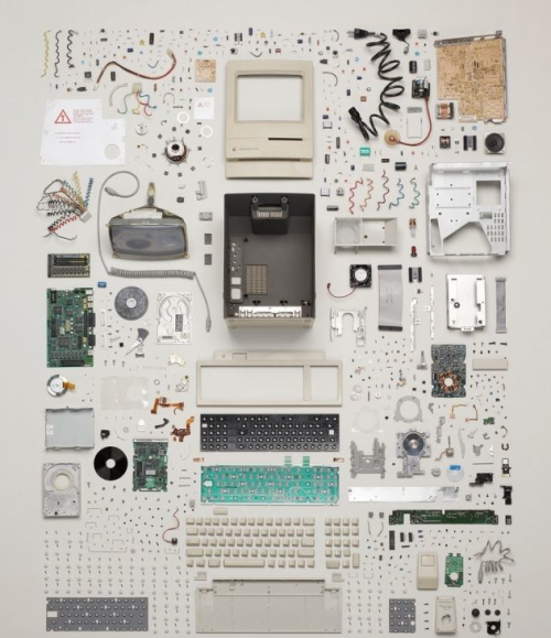 iheartapple2:  The Dissection Of A Vintage Mac  Want. (I have the disassembled clock print already.)