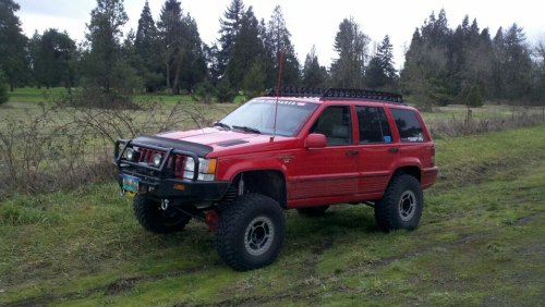Sexy ZJ. Check out his build in his signature!  http://www.jeepforum.com/forum/f197/lifted-zjs-wjs-picture-thread-536929/index163.html#post14912099