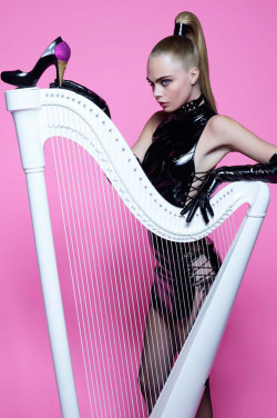journaldelamode:    Cara Delevigne by Karl Lagerfeld for Melissa Magazine