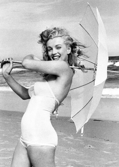 missmonroes:  Marilyn Monroe photographed by Andre de Dienes, 1949