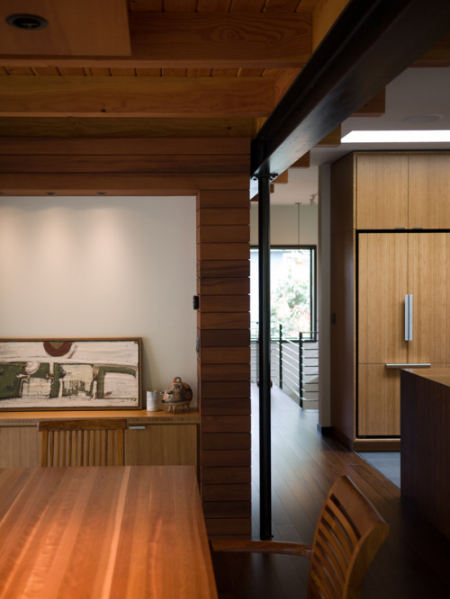wabi treehouse | dining to kitchen ~ erich remash architect