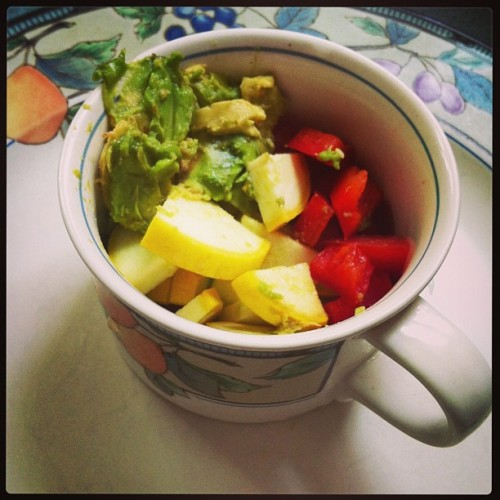 morning snack for the lil guys. yellow squash, tomato, red pepper and avocado. #healthy #ratfood