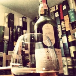 majestictragedy:  #whisky of the day - #lagavulin (hier: Peiro's Paella Palace)