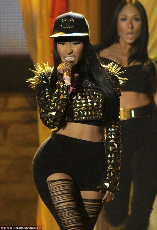 zarkog:  Nicki  This jacket! I'm in love with it!!