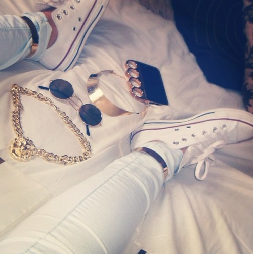 golden-divaa:  golddiggerr:  fashionl0ve:  xx  http://instagram.com/Msivana_  www.golden-divaa.tumblr.com