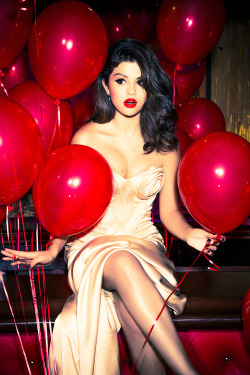 kissmehardbeforeyougo25:  A Very Sweet Blog: Selena Gomez Glamour Magazine on @weheartit.com - http://whrt.it/YBvVsV