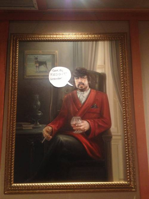 nirvananews:  Dave Grohl on Reddit.