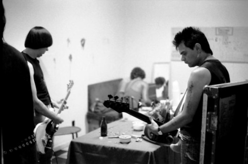 Johnny and Dee Dee Ramone backstage.