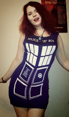 Tardis Dress (Thanks CaptianTorrez for reminding me to upload)